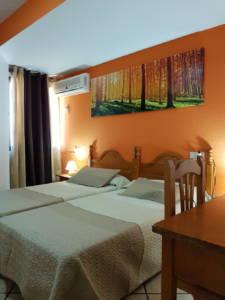 hostal los verdiales habitación alojamiento en la herradura